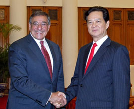 PM Nguyen Tan Dung receives US Defense Secretary Leon Edward Panetta, Hanoi, June 4